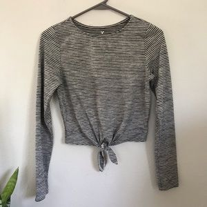 AMERICAN EAGLE soft and Sexy Front tie top